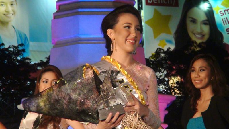 Ms Cebu 2012 candidate April Ann Claire R. White won the Premium Concept's Miss Sandee special award. (Photo by Jean Mondonedo/Sunnex)