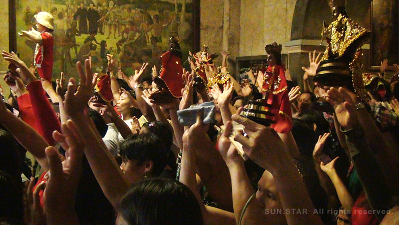 Devotees who joined the Walk with Jesus Thursday dawn brought with them their Sto. Nino images. (Photo by Tashuana Alemania/Sunnex)