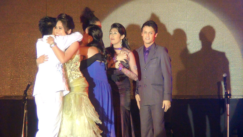 The Sinulog Idol 2012 grand finalists hug each other after the host announced the top 3 contestants. (Sunnex photo)