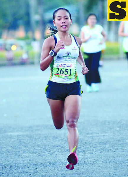 CEBU MARATHON. Local elite runner Mary Joy Tabal finished third in the 21K and set a personal best. (Sun.Star Photo/Ruel Rosello)
