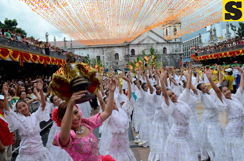 Dancers from the Abellana National School and other schools in Cebu perform during the Sinulog 2013 Opening Salvo at the Basilica Pilgrim Center Friday afternoon (January 11, 2013). This was followed by a street parade from Basilica to Fuente Osmena and to the Cebu City Sports Center. (Sun.Star Photo/Amper Campana)