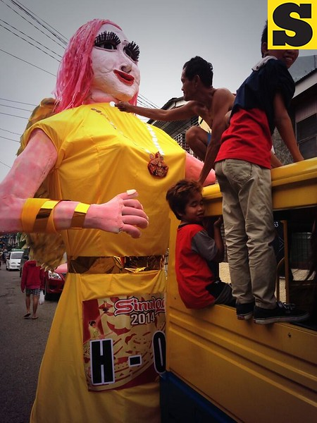 One of the higantes joining the Sinulog grand parade.  (Photo by Jean Mondoñedo-Ynot)