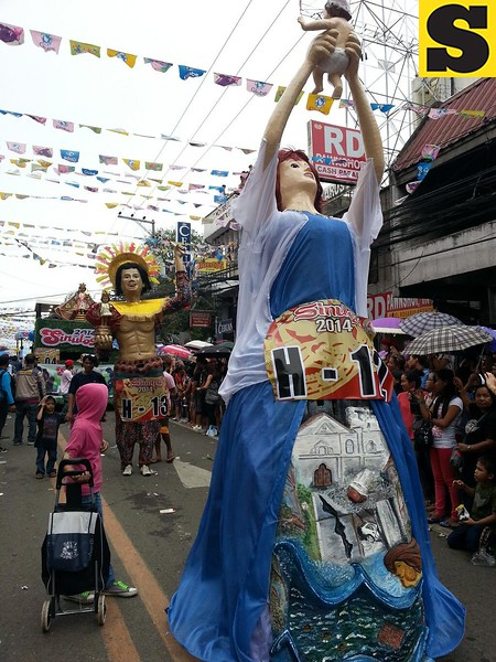 Higantes joining the Sinulog parade.  (Photo by Jean Mondoñedo-Ynot)