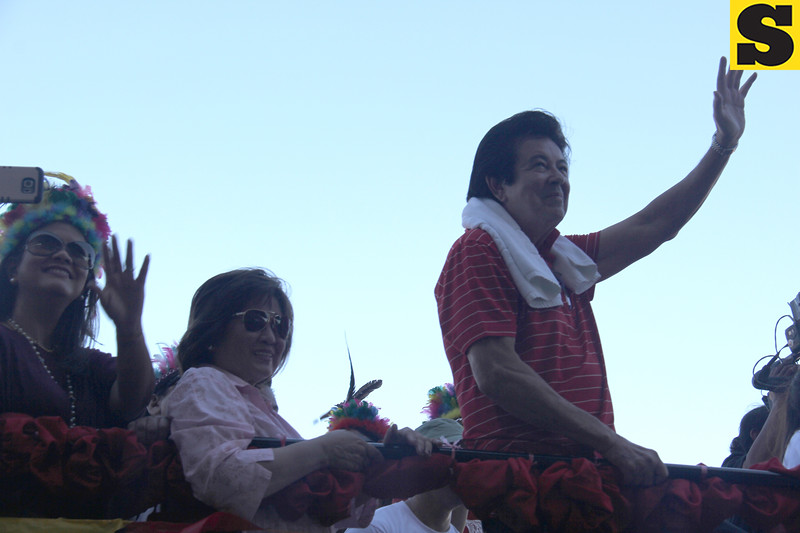 Annabelle Rama and Eddie Gutierrez onboard Ang Panday float during Sinulog 2016