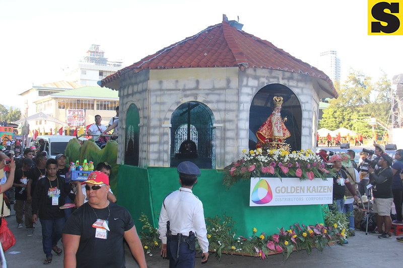 Golden Kaizen float during Sinulog 2016