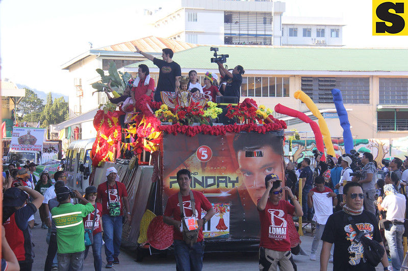 Richard Gutierrez and family onboard Ang Panday float during Sinulog 2016