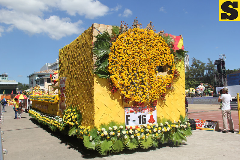Julie's Bakeshop float during Sinulog 2016