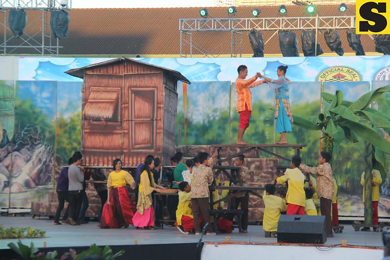 Sinulog 2016 grand parade contingent