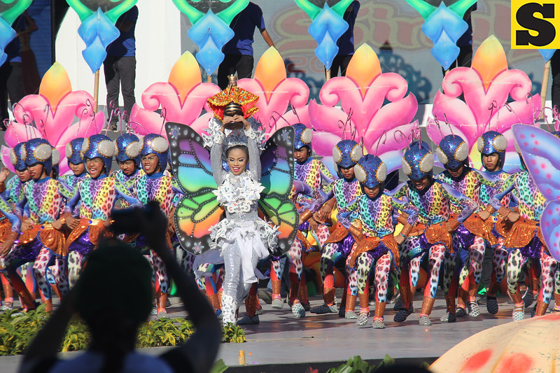 Don Vicente Rama Memorial National High School contingent during Sinulog 2016