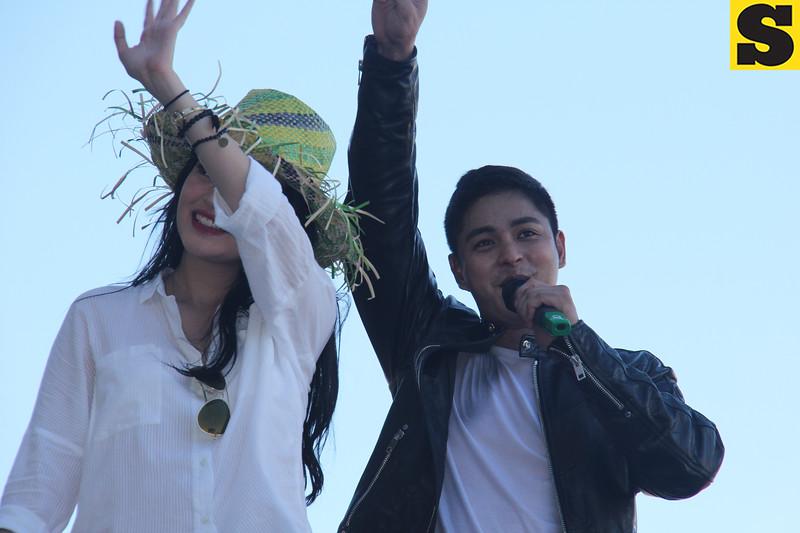 Bela Padilla and Coco Martin onboard Ang Probinsyano float during Sinulog 2016
