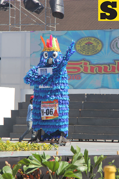 Cebu Daily News higante during Sinulog 2016
