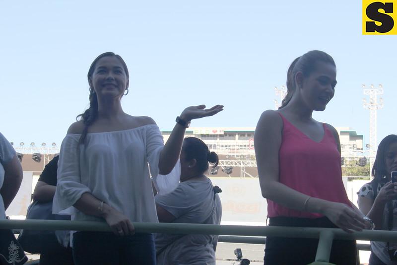 Maja Salvador and Bea Alonzo onboard Golden Kaizen float during Sinulog 2016