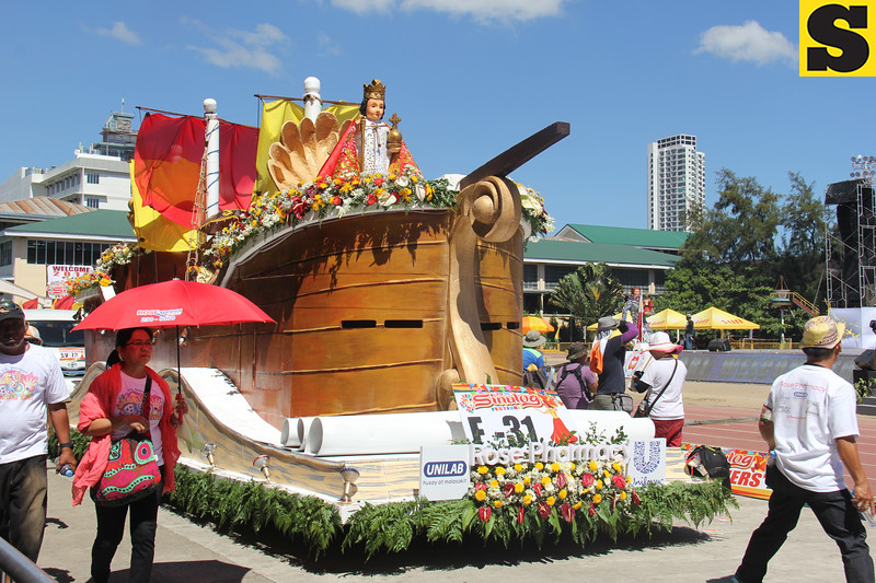 Rose Pharmacy float during Sinulog 2016