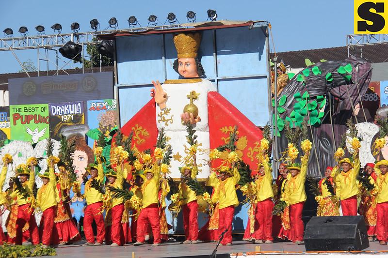 Pundok sa Kabataang Mananayaw sa Danao City performs during Sinulog 2016