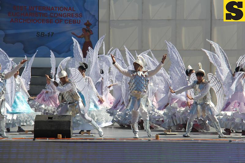 San Diego dancers perform during Sinulog 2016