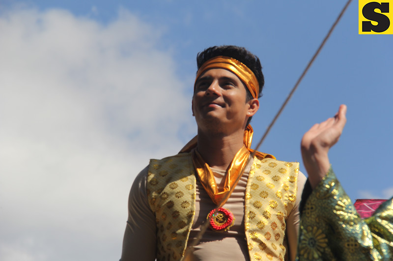 Actor Ejay Falcon onboard Psalmtre's float during the Sinulog 2016
