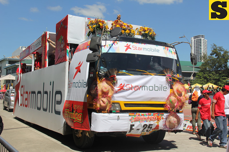 Starmobile float during Sinulog 2016