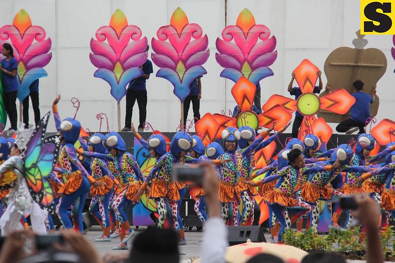 Don Vicente Rama Memorial National High School - Sinulog sa Kabataan sa Dakbayan 2016 contingent