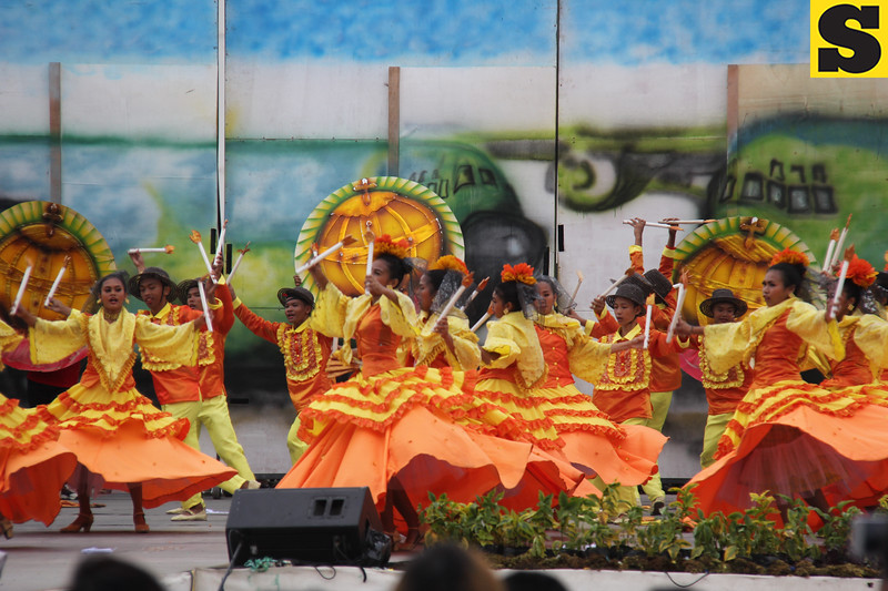 Ramon Duterte Memorial National High School - Sinulog sa Kabataan sa Dakbayan 2016 contingent