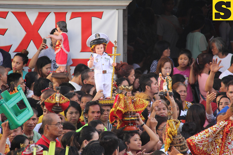 Sto Nino wearing mariners uniform