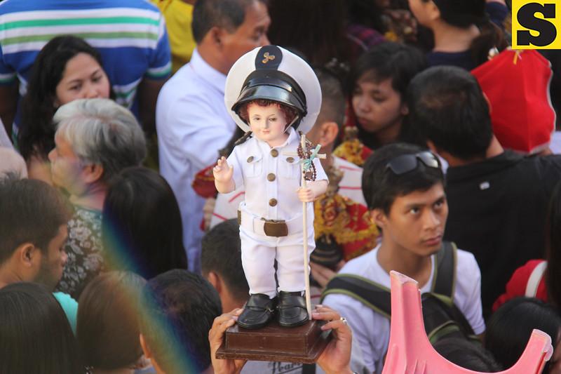 Sto Nino image wearing mariners costume