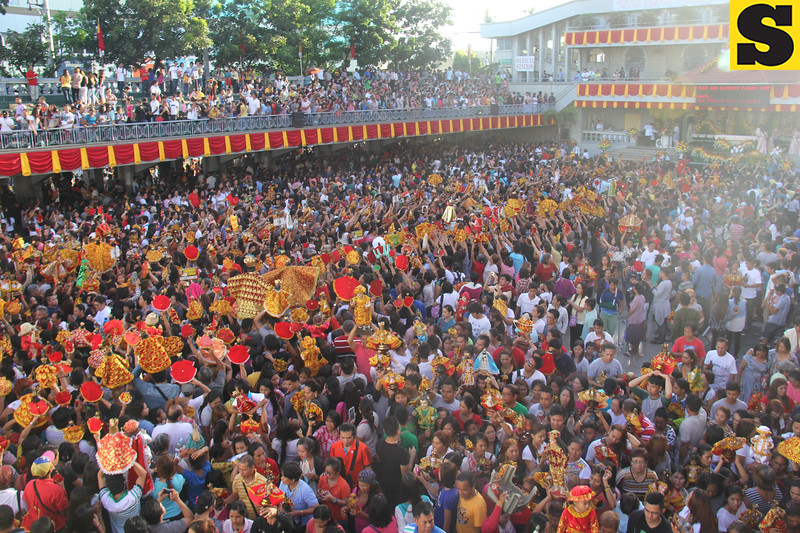 Opening Salvo mass crowd