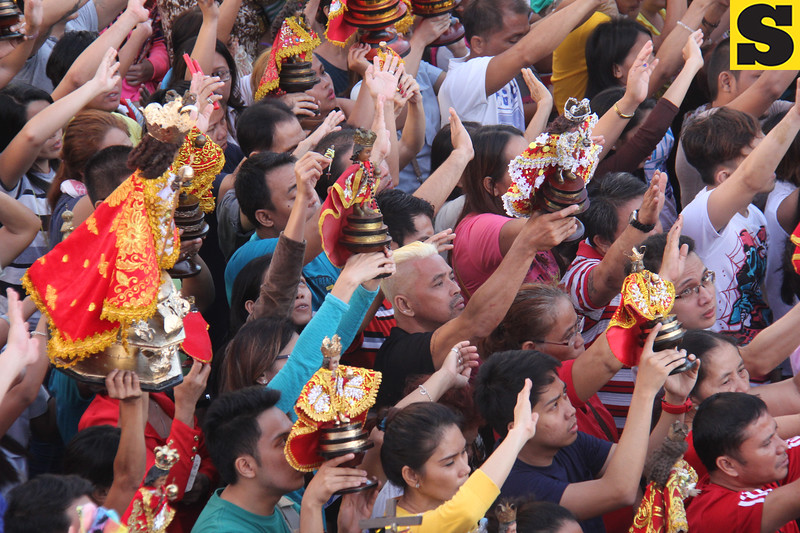 Sto Nino devotees attend Opening Salvo mass