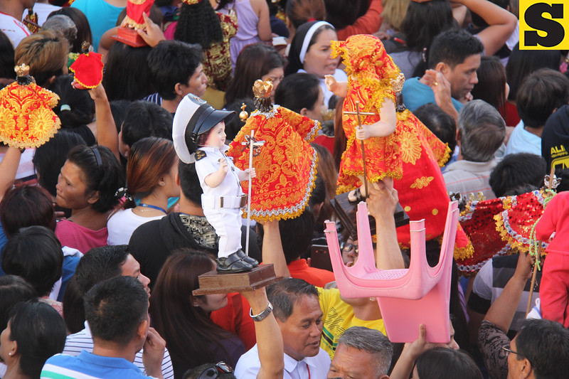 Mariner Sto Nino seems to be interacting with another image