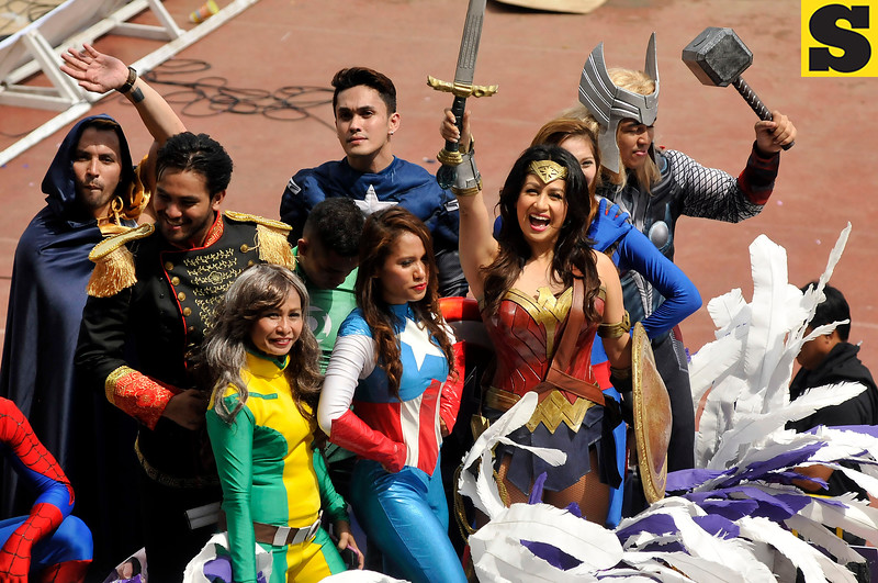 Regine Tolentino in Wonderwoman costume joins Sinulog 2017