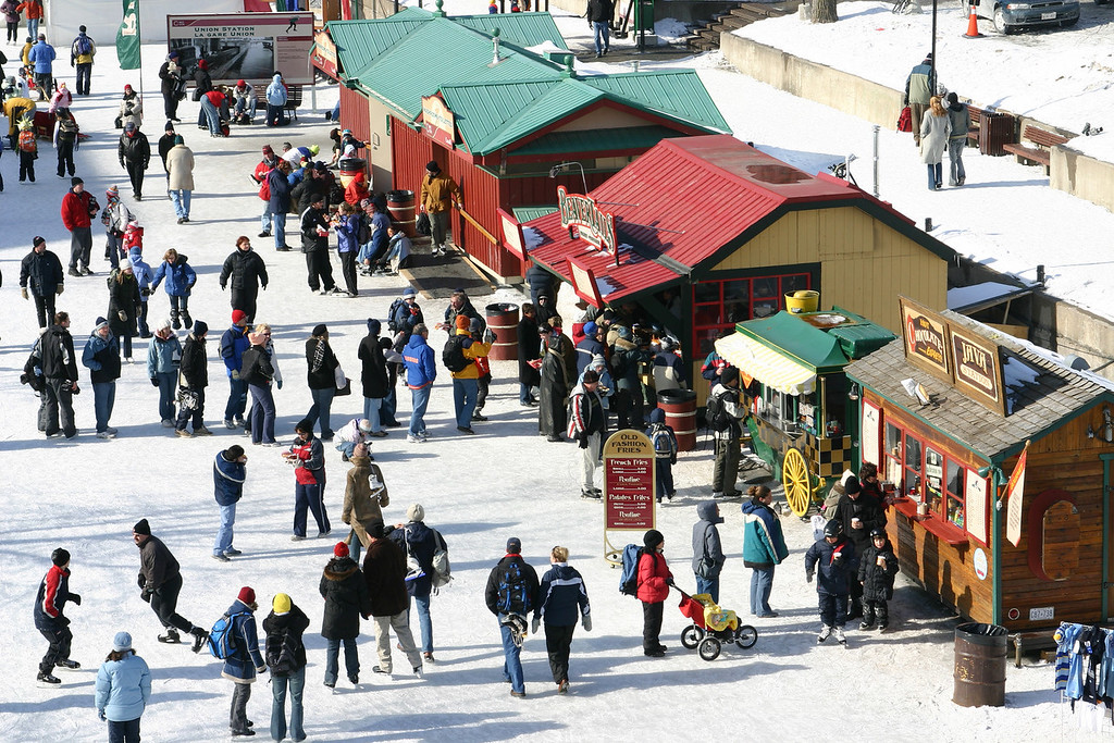 People lining up for Beavertails and hot chocolate.