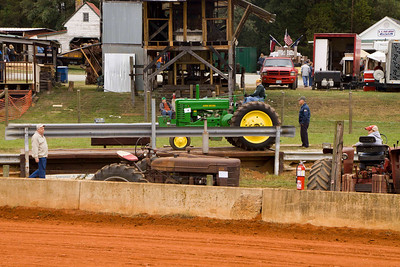 Field Day of the Past-2011-Field Day of the Past - Tractor Pulls