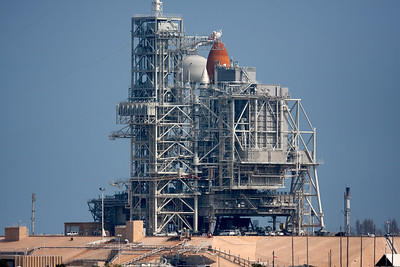 Discovery's processing in-work for final flight. T-18 hours.