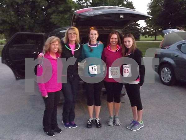 Left to right: Cthy Mickelson, Darrcy Kauufman, Lindsey Mickelson, Dawn and Sidnie Bissen.
