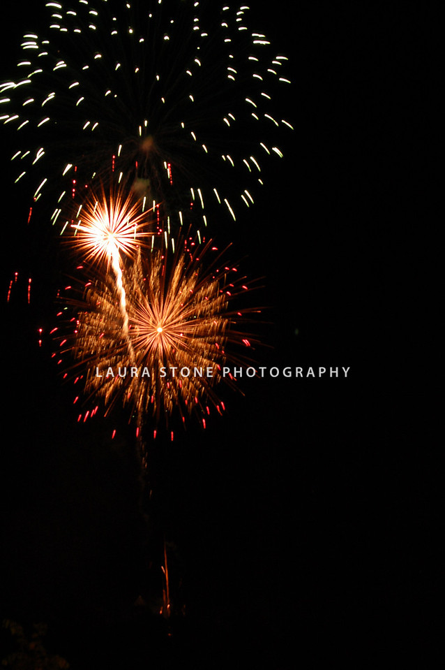 """July in the Sky"" 2010 fireworks celebration, Vernon, CT"