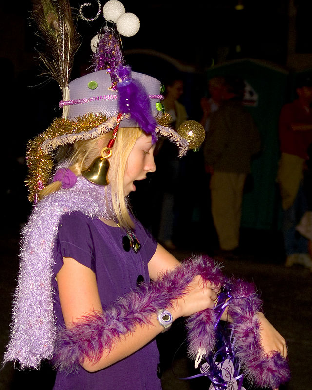 "A ""Violet Crownette"" in the Grand Procession."