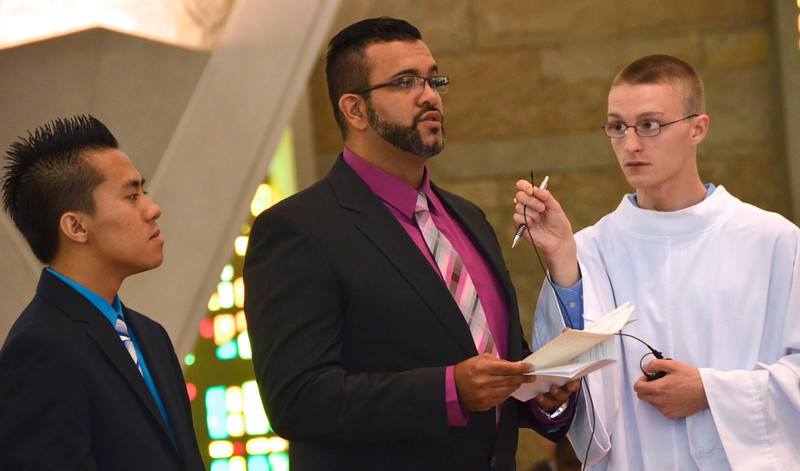Juan Carlos professes vows — at Sacred Heart School of Theology.