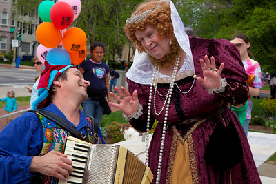 Bonnie Fairbank as Queen Elizabeth I, and Nick Newlin of the Nicolo Whimsey Show perform at Shakespeare's Birthday Open House at the Folger Shakespeare Library, located on Capitol Hill in Washington, DC. on April 25, 2010. (Photo by Jeff Malet)