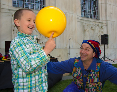 Luke gets a balancing lesson from Nick Newlin of the Nicolo Whimsey Show