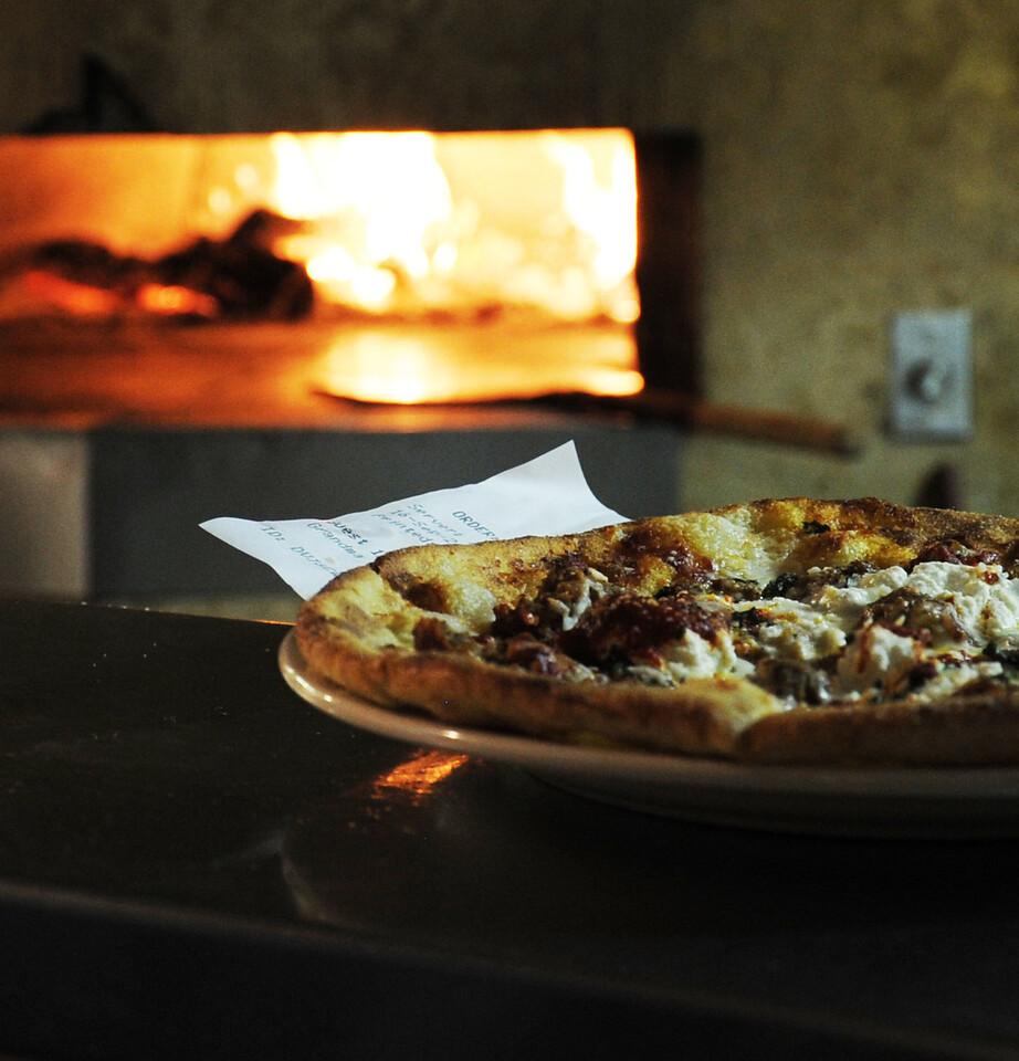 D3S_7734 pizza