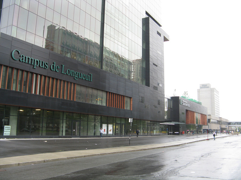 Longueuil University has a Metro stop that takes you under the river to the island where the Grand Prix is held. Very rainy all the way there.