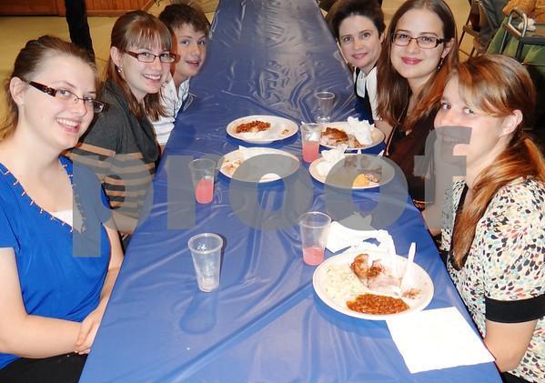 Ruth Schroeder, Hannah Schroeder, Samuel Schroeder, Jeniffer Schroeder, Holly Schroeder, and Jessica Alstott.