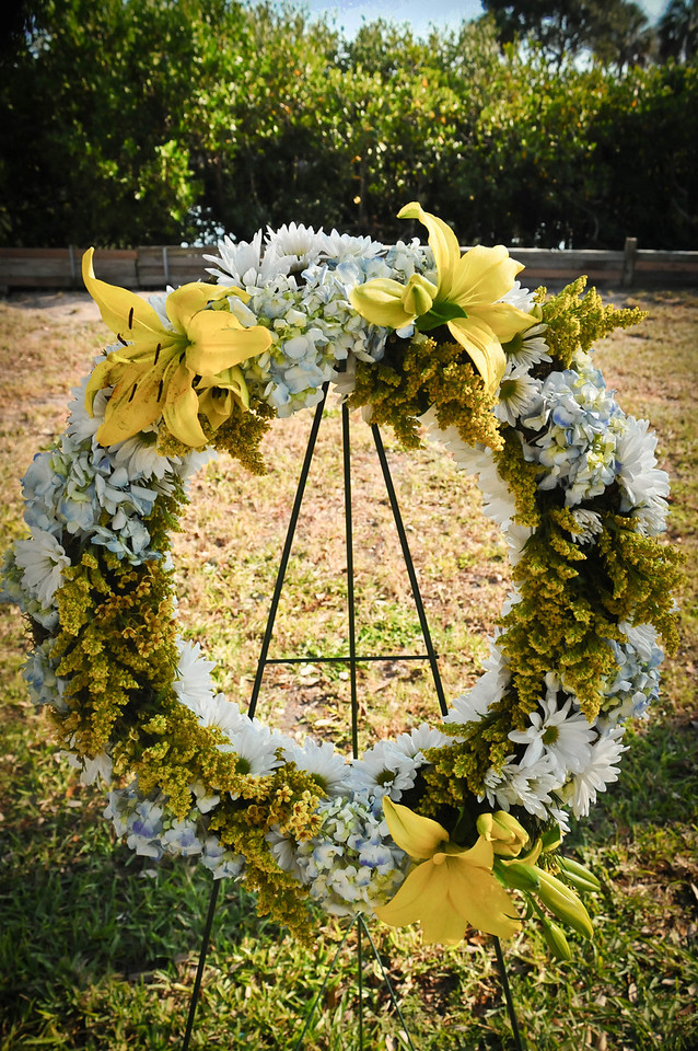 Wreath made by, Kelly MacBrearty, Frank's neighbor in Indian Rocks Beach, FL