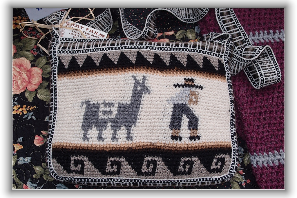 Purse made from alpaca wool