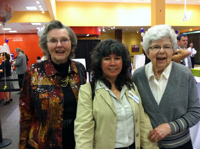 Library volunteers:  Anne Gorman, María Pagán (Library Director) and Wanda Myslek