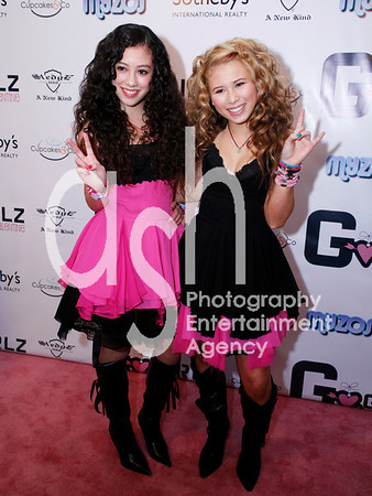 Keana Texeira and Savannah Van of the G-Girlz