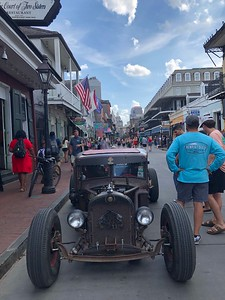 HOPE 2019 20 Old car