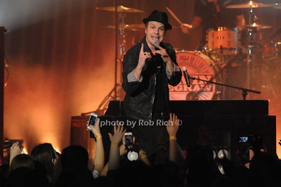 Gavin DeGraw photo by Rob Rich/SocietyAllure.com © 2014 robwayne1@aol.com 516-676-3939