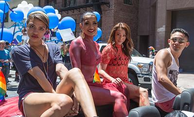 gayPride2104C-119