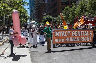 gayPride2104C-138