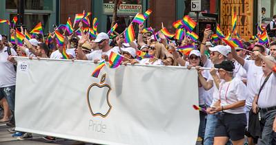 gayPride2104C-80